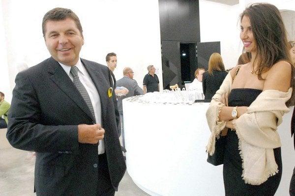 Remeta s priateľkou, košickou misskou Petrou Pobožno.
