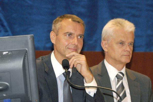 Primátor a jeho námestník. Richard Raši a Ján Jakubov.