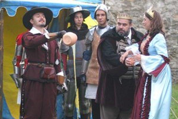 """Via Cassa. Od vzniku združenia je v bojovom šíku i jeho predseda Roman Furajtár (vľavo), alias """"Fudži""""."""