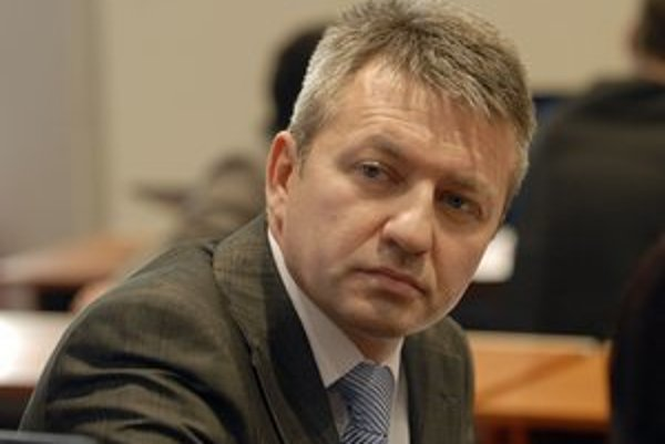 Štefan Kandráč. Šéf odboru školstva predpokladá prepúšťanie učiteľov a zatváranie škôl.