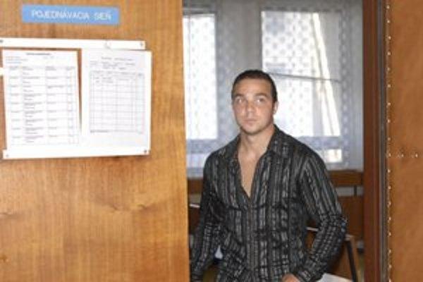 Jaroslav Stoklas. Jeho prípad sa vracia okresnému súdu.