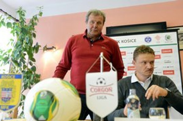 Hlavný tréner MFK Košice Ján Kozák (vľavo) a športový riaditeľ MFK Košice Ivan Kozák