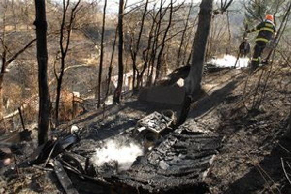 Pálil na záhradke. Zhoreli kôlne a časť lesa.