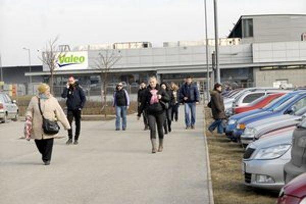 Sedem rokov u nás a dosť. Valeo zamestnáva v Košiciach 1 268 ľudí. Koľko ich tam bude ku koncu roka, nevedno.