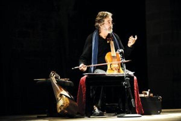 Jordi Savall. Hudobník je okrem iného aj držiteľom ceny Grammy za rok 2011.