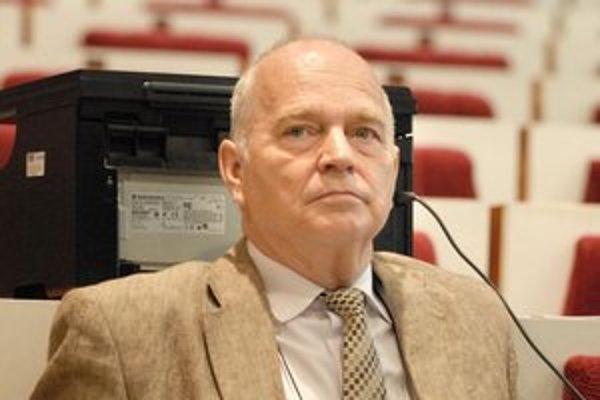 Ján Süli. V zastupiteľstve KSK chce nechať priestor mladším.