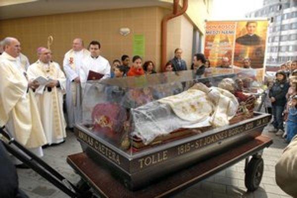 Na Luniku IX. Relikvie Don Bosca tam privítali ako prví v Košiciach.