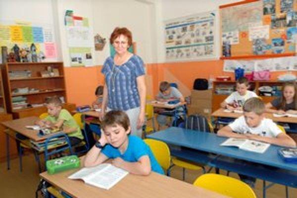 Normálne sa učili. Vyučovanie neprerušili, deti si pokojne čítali.