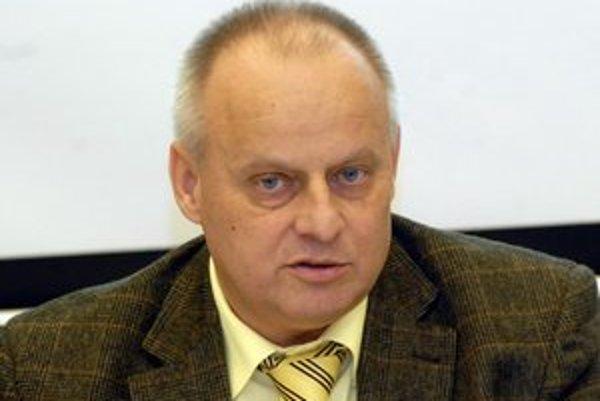 Miloslav Pinčák. Zdravotný stav mu nedovoľuje pokračovať vo funkcii prezidenta ČH Hornets.