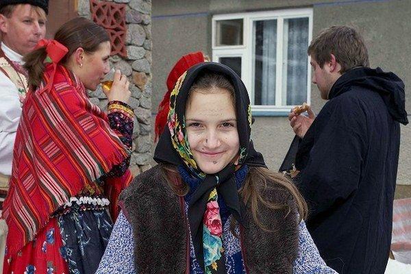Korene fašiangových zvykov siahajú až do dávnej minulosti slovanských pohanských predkov. V mestách je tradícia fašiangov spojená s plesmi a bálmi.