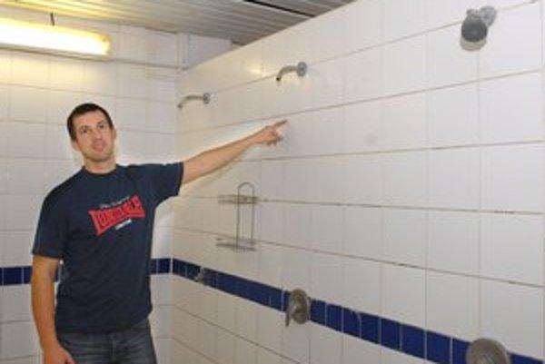 Šéf plavárne Vladimír Hlivák tvrdí, že zľavy sa zneužívali denne, takže šlo o stovky prípadov.