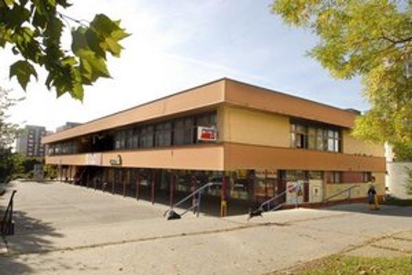 Mesto predáva. Obchodné centrum na Hemerkovej ulici ide do dražby. Ako s ním naloží nový vlastník, je na jeho rozhodnutí.