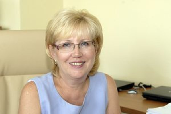 Riaditeľka Adamčíková.