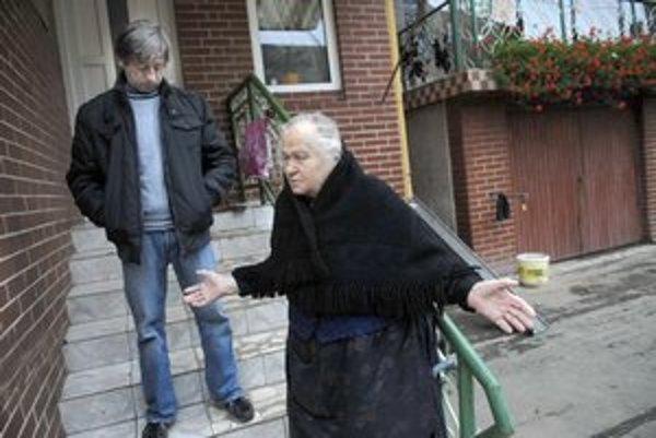 Otrasená rodina. Ivova babka ani František tragické úmrtie nedokážu pochopiť.