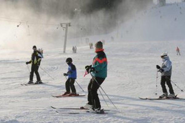 Na Jahodnej sa už lyžuje