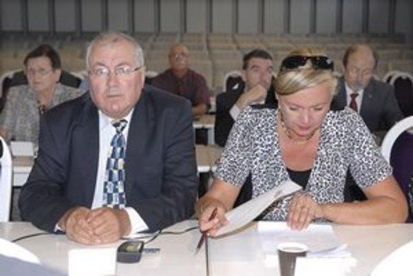 Nový zástupca s poslankyňou Šramkovou. Starostu zastúpi aj bez nároku na plat.