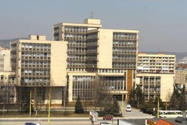 Krajský súd v Košiciach. Do ústavneho orgánu za neho kandiduje jeho bývalý predseda