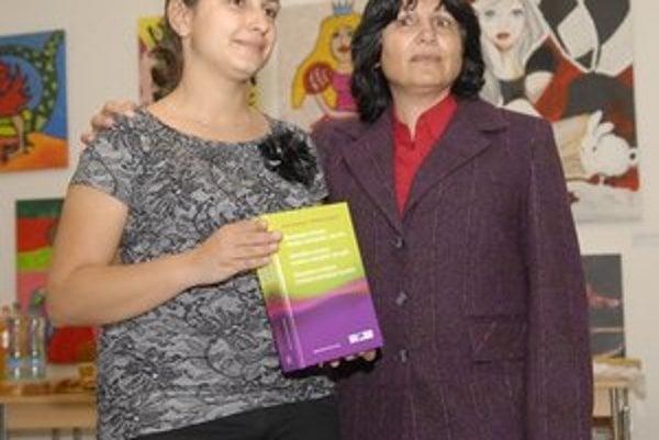 Autorky Anna (vpravo) a Martina Koptové