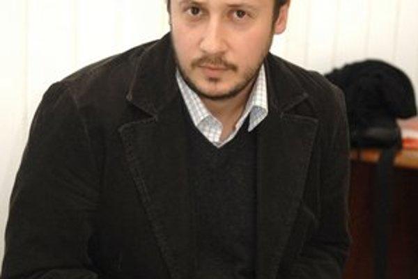 Poslanec Martin Skalický (SaS). Ako jediný bez odmien si pripadal komicky.