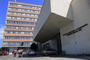 Budova lekárskej fakulty UPJŠ, ktorá je súčasťou komplexu budov Univerzitnej nemocnice L. Pasteura v Košiciach.