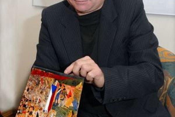 Štefan Lazorišák predstavil svoje nové knihy.