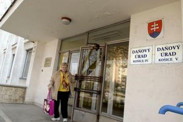 Daňový úrad Košice IV. Jeho bývalí kontrolóri na súd nechodia. Posielajú len advokátov.