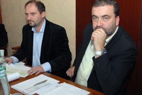 Prednosta Polaček a starosta Gaj (vpravo). Sľubujú košický unikát – úrad otvorený aj v sobotu.