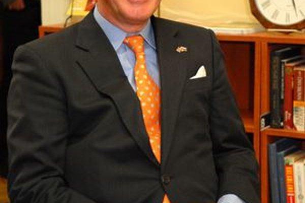 Americký veľvyslanec T. Sedgwickby rád vydržal na Slovensku ako veľvyslanec celé tri roky.