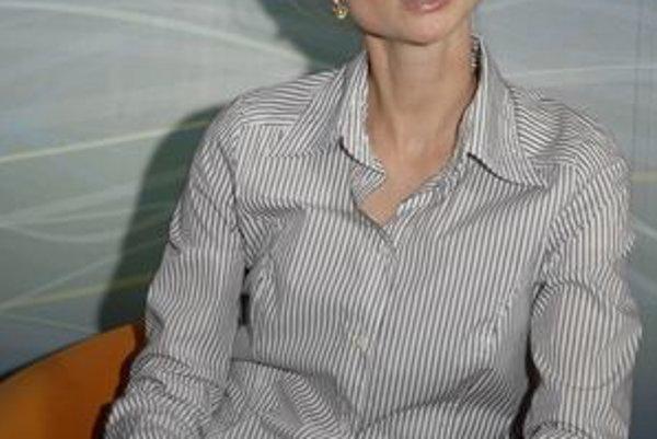 Silvia Karolyiová.