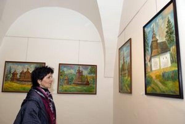 """Maľby s originálnou tematikou. Vitalij Lyba sa """"našiel"""" v drevených kostolíkoch."""