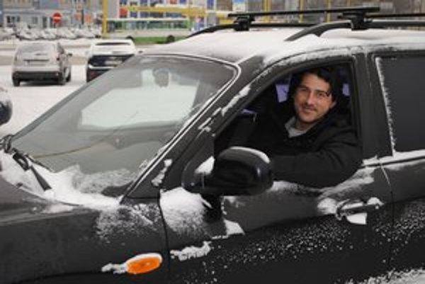 P. Veszelits teraz jazdí na Hyundai Santa Fe.