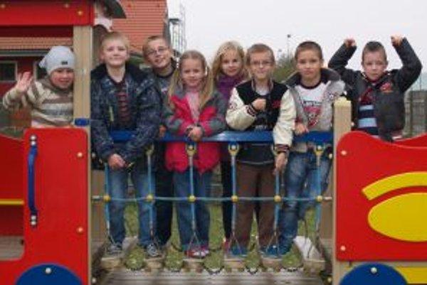 Zľava: Tomáš K. (8), Adrián (7), Alex (8), Miška (6), Natálka (8), Dominik (6), Tomáš P. (8), Timko (7)