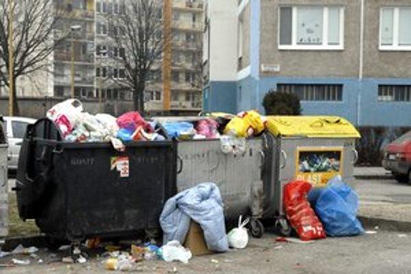 Odpad. Vyše dve milióny eur chýbajú mestu na poplatku za odpad.