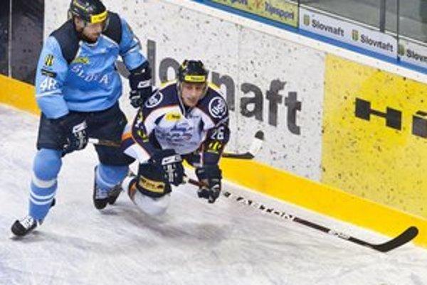 Obrovská bojovnosť a disciplína v obrane zdobila dnešný výkon košických hokejistov v Bratislave.