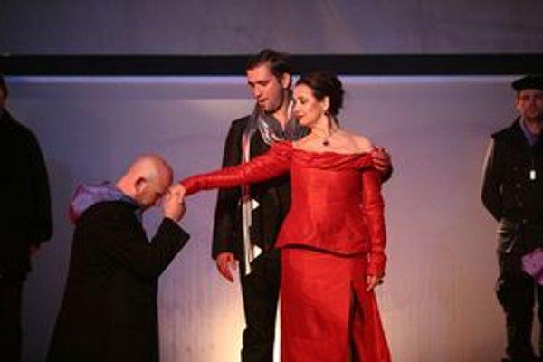 Tragédia Macbeth. Na LSS inscenujú predovšetkým Shakespearove komédie. Režiséra Spišáka však lákal stále aktuálny Macbeth.
