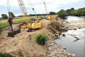 Malé vodné dielo. Pri moste v obci Ždana sa stavia malá vodná elektráreň, ktorá bude využívať hydroenergetický potenciál Hornádu.