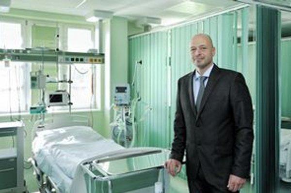 Riaditeľ Tomáš Sieber. Podľa neho je nevyhnutná zmena fungovania nemocnice.