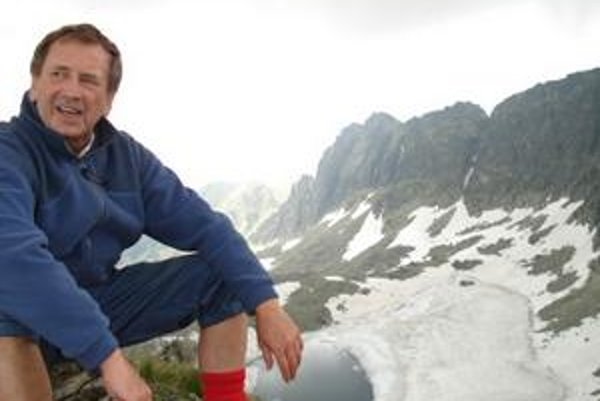 František Tampl. Keď niekam vylezie, rád sa z výšky kochá krásou prírody - či v Tatrách alebo prímorských letoviskách.