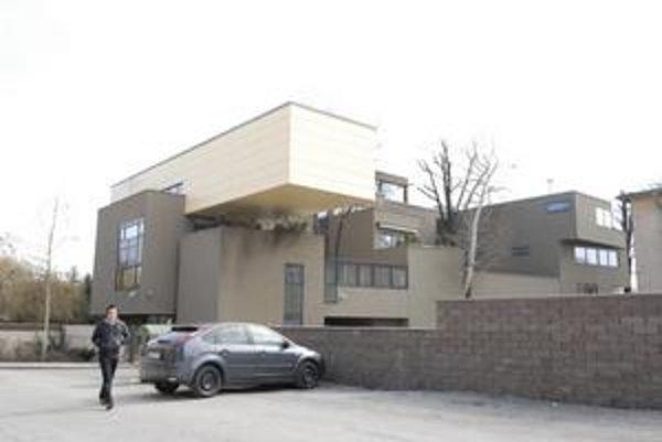 Cena za bytový dom nebytovému? Papalášske apartmány architekti ocenili, hoci sú morálnou hanbou Košíc.
