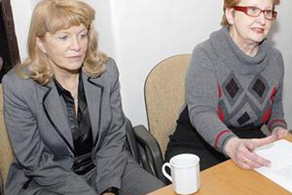 Bělská (vľavo) a Takácsová. Za zachovanie Českého centra v Košiciach robí jeho riaditeľka spolu s predsedníčkou Českého spolku maximum.