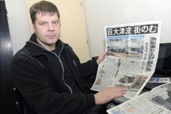 Slavomír Ondejka si noviny s informáciami o katastrofe priniesol ako suvenír.