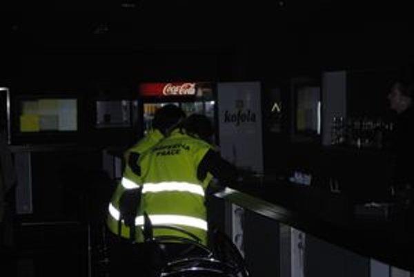Kontrola. Inšpektori práce kontrolovali pracovné zmluvy, živnosti, ale aj dohody. V piatich podnikoch našli 6 podozrení na čiernu prácu.