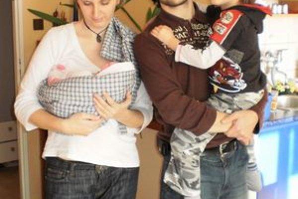 Pani Andrea s manželom, Dominikom a Natálkaou.