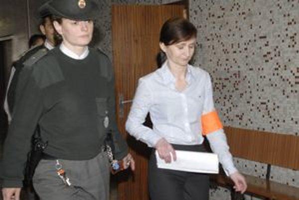 Moniku Zbojovskú prepustil súd z väzby.