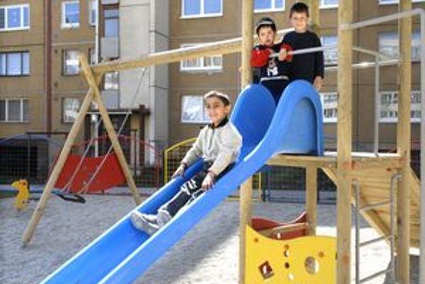 Na Ťahanovciach majú vyrásť tento rok tri detské ihriská.