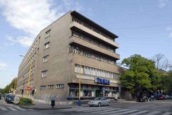 Budova divadla Thalia.