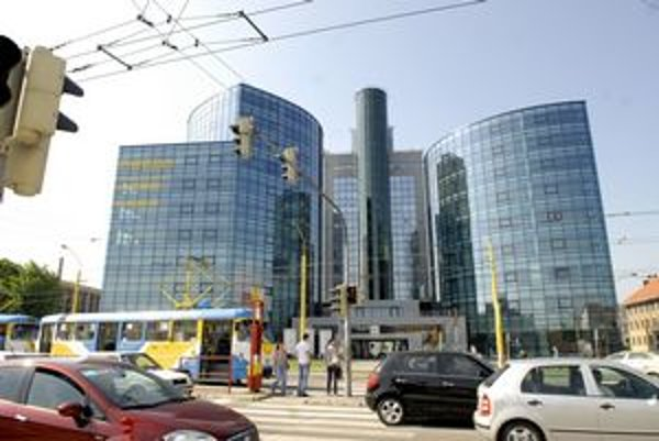 V hre ostali dve budovy - Business center Košice na Štúrovej 27 (na snímke) a Nitra Invest - Administratívna budova na Rozvojovej ulici 2.