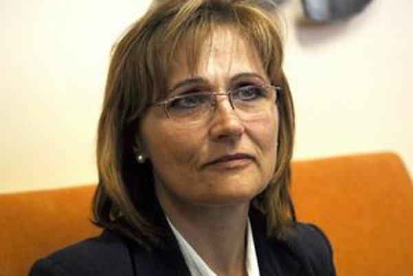 Pravicová väčšina si za kontrolórku zvolila Evu Klimekovú (SDKÚ-DS).