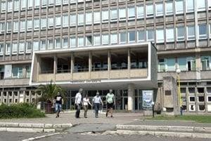 Technická univerzita. Košická TU ešte stále ponúka možnosť uchádzať sa o štúdium na jej strojníckej alebo hutníckej fakulte.