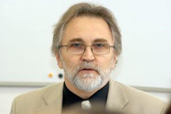 Zástupca prepustených vysokoškolských učiteľov Ľudovít Naď potvrdil dohodu s univerzitou.